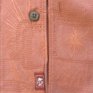 Tommy Bahama Shirts - Tommy Bahama Men's Silk Wooden buttons XL
